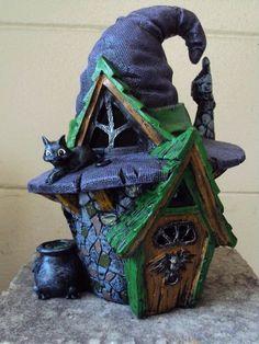 GEORGETOWN/FIDDLEHEAD ; MINIATURE GARDEN  WITCH HAT FAIRY HOUSE  NEW/HALLOWEEN