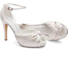 Zapatos de novia con tacón y plataforma Sapatos para noiva com salto alto 86e91797f6e7