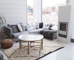 marokko-tyyli,asuntomessut,kulmasohva,takka,hirsitalo