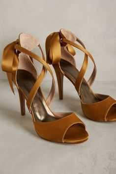 Hoss Intropia Revelry Heels Bronze Heels