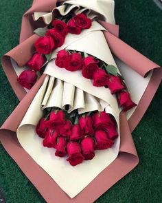 30 Lovely Valentine Flowers Which You Definitely Like - If you need Valentine flowers this year, all you need to do is call a local florist to melt your sweetie's heart. You usually can't go wrong with flow. Valentine Flower Arrangements, Valentines Flowers, Beautiful Flower Arrangements, Floral Arrangements, Valentine Nails, Kids Valentines, Valentine Ideas, Beautiful Rose Flowers, Beautiful Flowers