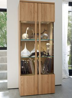 Vertical display case / contemporary / in wood / with LED CARVA  hülsta