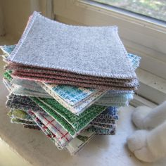 Sew felt and cotton quilt square coasters DIY