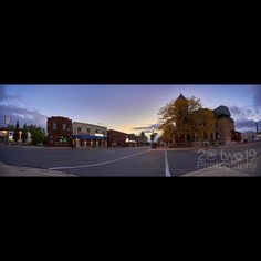 Dundas Morning Stretch  Sony a7 - FE T 16-35mm f/4.0 ZA OSS  lens  #liveyouradventure #20two19 #dundasont #dundasvalley #dundasontario #exploreontario #ontario_ca #DiscoverON #torontoclicks #outerwhere #outerwear #eddiesetgo #travelblog #bigoutdoors #adventure #torontoblogger #lifestyleblog #travelphotography #wanderlust #lifestyle #fitness #wonderful_places #discovercanada #outdoors #active #sonya7lovers #canada #lifeincanada #explorecanada #hikingworldwide