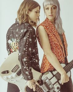 Larkin Poe photo by Madi Clark All Rights Reserved Rock Chic, Rock Style, Americana Music, Jazz Poster, Band Pictures, Boho Festival, Vintage Tees, Black Denim, Hard Rock