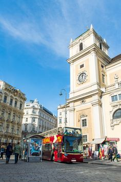 Experience #Vienna in all its glory on a Big Bus tour around the city!