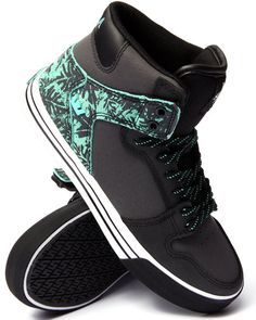 Love this Vaider Black Leather/Mint Suede Sneakers on DrJays and only for $69.98. Take 20% off your next DrJays purchase (EXCLUSIONS APPLY). Click on the image above to get your discount.