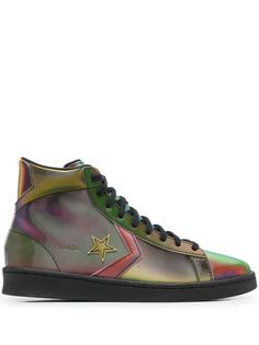 Multicolour Pro Leather Hi iridescent-effect sneakers from CONVERSE featuring star patch detail, logo patch at the tongue, round toe, front lace-up fastening, branded insole and flat rubber sole. Front Lace, Lace Up, Converse Pro Leather, Green Converse, Iridescent, Basket, Toe, Flat, Detail