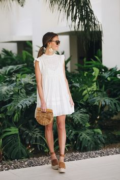 the perfect little white dress - Lauren Kay Sims - - A classic and flattering embroidered little white dress - perfect for any bride-to-be's! Plus my top 10 picks for other great little white dresses! White Dress Outfit, The Dress, Dress Outfits, Fashion Dresses, Shoes With White Dress, White Dress Accessories, Spring Summer Fashion, Spring Outfits, Summer Winter