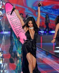 Selena Gomez Music, Selena Gomez Style, Victoria Secret Angels, Victoria Secret Fashion Show, Victoria's Secret, Fashion Shows 2015, Marie Gomez, Role Models, Sexy