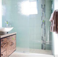 rain-glass-shower-doors - Home Decorating Trends - Homedit Zen Bathroom Design, Rain Glass, Zen Bathroom, Glass Shower Doors, Stylish Bathroom, Bathroom Styling, Small Half Bathrooms, Shower Door Designs, Bathroom Design