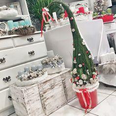 Grincsfa Winter Christmas, Christmas Crafts, Merry Christmas, Christmas Decorations, Xmas, Table Decorations, Holiday Decor, Christmas Inspiration, Advent