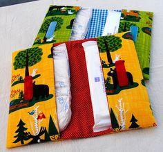 Per utilizzare anche gli scampoli di stoffa: tutorial per porta pannolini in stoffa!