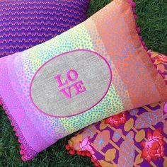 #love #almofada #almofadas #estampas #decor #decoração #homedecor #home #têxtil #cushion #pillow