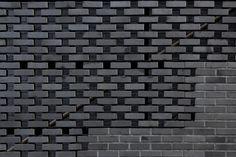 open running bond brick - ABC Building / Wise Architecture