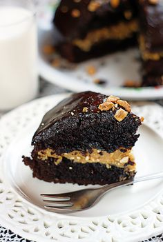 Peanut Butter Chocolate Cake. #Food #Recipe