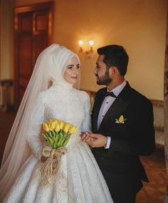 Weediinggg – My Wedding Dream Muslim Wedding Gown, Muslim Wedding Dresses, Muslim Brides, Wedding Hijab, Bridesmaid Dresses, Wedding Photography Poses, Wedding Poses, Wedding Couples, Wedding Dress
