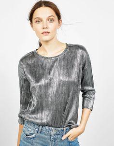 Bershka España - Camiseta metalizada plisada