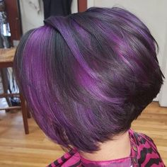 New hair color purple highlights inverted bob ideas Purple Brown Hair, Purple Hair Highlights, Short Brown Hair, Hair Color Purple, Hair Color And Cut, Haircut And Color, Cool Hair Color, Short Hair Cuts, Short Hair Styles