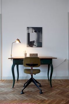 awesome 38 Neat and Clean Minimalist Workspace Design Ideas for Your Home https://matchness.com/2017/12/18/38-neat-clean-minimalist-workspace-design-ideas-home/