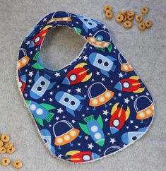 Baby Bibs, Spaceship, Printed Cotton, Little Ones, Baby Shower Gifts, Cute Outfits, Fabric, Prints, How To Wear