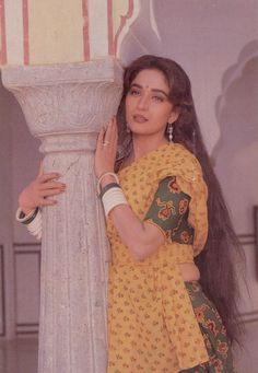 ✩ Check out this list of creative present ideas for tennis players and lovers Bollywood Outfits, Bollywood Saree, Bollywood Actors, Bollywood Fashion, Bollywood Quotes, Indian Aesthetic, Karisma Kapoor, Vintage Bollywood, Madhuri Dixit