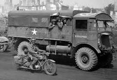 AEC Matador Lorry/ The Matador was a British artillery tractor. Approximately were built. Ww2 Pictures, Ww2 Photos, British Armed Forces, British Motorcycles, Ww2 Tanks, American War, D Day, Armored Vehicles, Military Vehicles