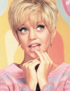 Young Goldie Hawn, those eyes...