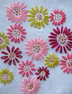 Embroidered flowers made with French Knots an Detached Chain Stitches/Lazy Daisy.Check it out > Machine Embroidery Designs For Baby Quilts ;Embroidered flowers from Jane Brocket.would be so lovely on grey linenEmbroidery Orange What Is A Running Stitch Go Embroidery Monogram, Silk Ribbon Embroidery, Hand Embroidery Stitches, Vintage Embroidery, Embroidery Techniques, Embroidery Art, Machine Embroidery, Cross Stitch Embroidery, Flower Embroidery