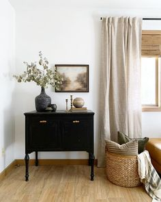 Living Room Decor, Living Spaces, Bedroom Decor, Dresser In Living Room, Dining Room, Modern Vintage Bathroom, Modern Vintage Decor, Apartment Living, Home Decor Inspiration