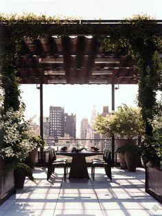 Rooftop Decor, Rooftop Terrace Design, Rooftop Lounge, Rooftop Garden, Outdoor Decor, Pergola Plans, Diy Pergola, Pergola Ideas, Rooftop Bars Nyc