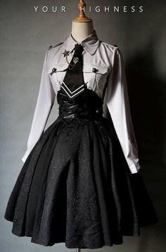 Top Gothic Fashion Tips To Keep You In Style. Consistently using good gothic fashion sense can help Old Fashion Dresses, Fashion Outfits, Fashion Clothes, Emo Fashion, Fashion Ideas, Style Fashion, Fashion Coat, Korean Girl Fashion, School Fashion