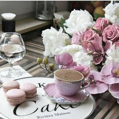 Find images and videos about cute, food and coffee on We Heart It - the app to get lost in what you love. Good Morning Coffee, Coffee Break, I Love Coffee, My Coffee, Coffee Popsicles, Cafe Cup, Girls Tea Party, Turkish Tea, Sweet Magnolia