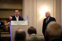 Ципрас: Я горжусь условиями жизни беженцев на материке http://feedproxy.google.com/~r/russianathens/~3/67kPAJWBeF4/24060-tsipras-ya-gorzhus-usloviyami-zhizni-bezhentsev-na-materike.html  Премьер-министр ГрецииАлексис Ципрас заявил, что гордится условиями жизнибеженцевв материковой Греции, но выразил обеспокоенность по поводу проблем с мигрантами на Эгейских островах.