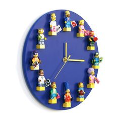 The world of LEGO is endless… Such a wonderful clock was born … – Interior – Lego , Toy , Barbie Lego Display, Diy Projects To Sell, Crafts To Sell, Lego Bedroom, Lego Craft, Diy Clock, Clock Wall, Deco Originale, Legos