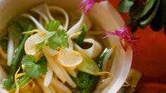 Rezept: Asiaitische Reisnudelsuppe mit Gemüse