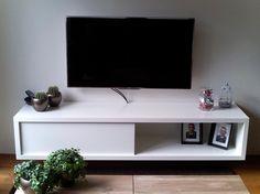 Make it yourself: floating modern TV stand by Neo-Eko. | tv-meubel zelf maken: 'Arturo' door Richard
