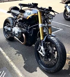 BMW R nineT Motorrad Ever since I actually showed pertaining to Noble Enfield Topic Café Bmw Cafe Racer, Custom Cafe Racer, Cafe Racer Motorcycle, Motorcycle Design, Motorcycle Gear, Custom Bmw, Women Motorcycle, Custom Bikes, Bmw Scrambler