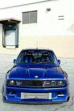 BMW E30 M3 blue