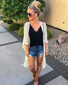 29 Cute Summer Outfits For Women And Teen Girls - The Finest Feed / Dress Casually / casual outfits for women Trendy Summer Outfits, Cute Summer Dresses, Summer Fashion Outfits, Spring Summer Fashion, Cute Outfits, Summer Clothes For Women, Summer Fashions, Summer Wear For Women, Cute Summer Tops