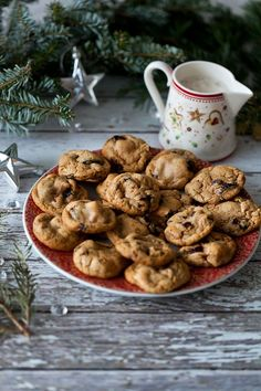 With only few days left till Christmas, it's time for baking Christmas cookies! I already shared some recipes for traditional cookies that are made with butter (see here for Almonds & cho…