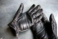 Roars gloves