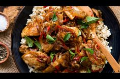 Singapore chicken - Recipes - Eat Well with Bite Quick Easy Dinner, Quick Easy Meals, Easy Dinner Recipes, Singapore Chicken Recipe, Healthy Cooking, Cooking Recipes, Back To University, Homemade Biscuits Recipe, One Dish Dinners