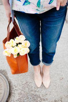 Boyfriend jeans + bouquets #OldNavyStyle