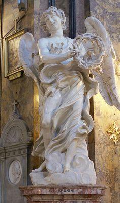 Cattedrale Sant'Andrea delle Fratte in Roma. Particolare di angelo con corona di spine  (Giovan Lorenzo Bernini)
