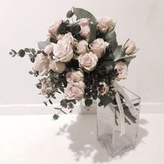 いいね!353件、コメント6件 ― 플로리스트 이주연 florist Lee Ju Yeonさん(@vanessflower)のInstagramアカウント: 「. #vanessflower #vaness #flower #florist #flowershop #바네스 #플라워 #바네스플라워 #플라워카페 #플로리스트 #원데이클래스 #플라워레슨…」