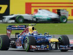 Webber passa Alonso no fim e vence em Silverstone