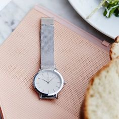 Lunchtime! What are you having for lunch today? #lunch #food #healthy #salad #silverwatch #mercer #rosefield #rosefieldwatches #amsterdam #newyork #nyc