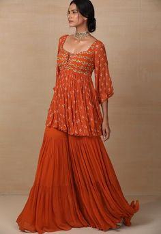 Dress Indian Style, Indian Outfits, Simple Lehenga, Casual Dresses, Short Dresses, Choli Dress, Sharara, India Fashion, Pakistani Dresses