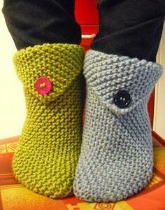 Creare per Hobby: Babbucce facili e veloci: le mie e le vostre häkeln kostenlos Knitting Socks, Free Knitting, Knitting Patterns, Crochet Patterns, Diy Crafts Knitting, Diy Crafts Crochet, Finger Crochet, Quick Knits, Knitted Slippers